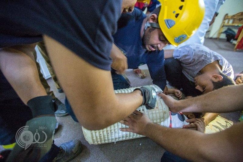 """مدني جازان ينقذ طفلة احتُجزت داخل غسالة ملابس .. """"صور"""""""