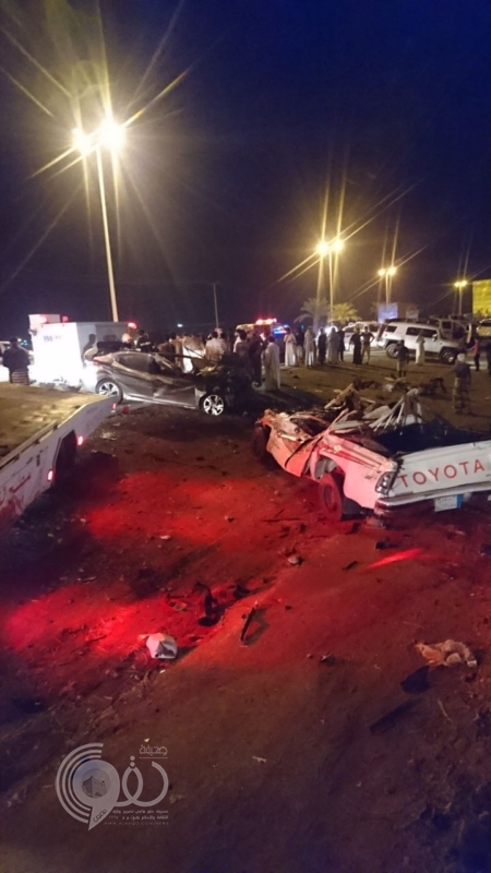 مصرع وإصابة 4 أشخاص في تصادم مروع بعيدابي جازان .. صور