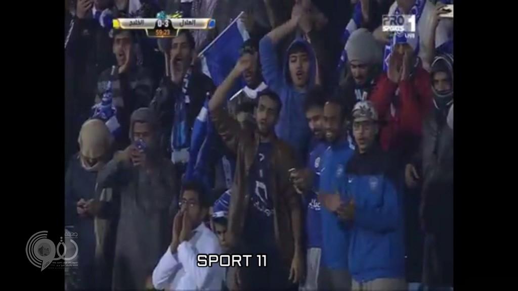 بالفيديو : الهلال يغرد في الصدارة برباعية في شباك الخليج