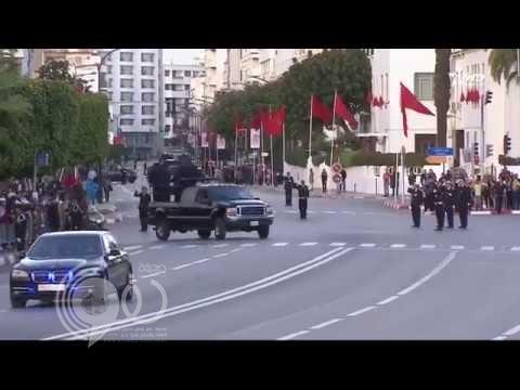 بالفيديو.. مطاردة مثيرة من حراس ملك المغرب لشاب اقتحم موكبه