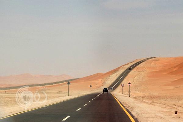 انتهاء تنفيذ الطريق البري بين المملكة وسلطنة عمان