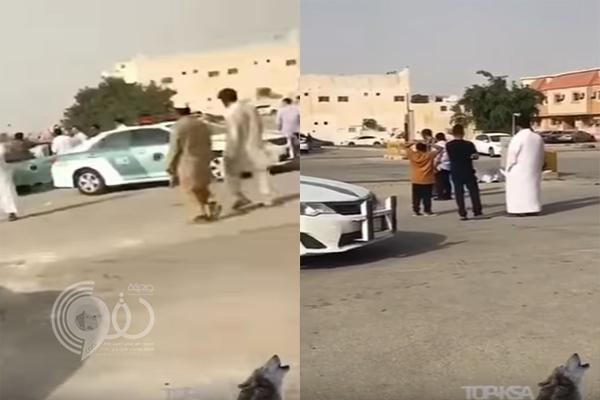 بالفيديو: مفحط يصدم مسن لا يغادر المسجد بحي الشفا بالرياض