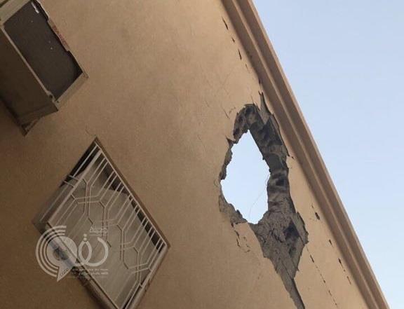 شاهد سقوط مقذوفات عسكرية على حي سكني بنجران .. صور