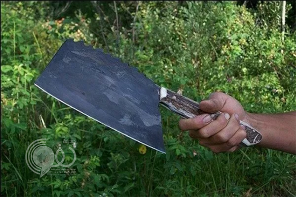 """شرطة جازان تنقذ شاب حاول قتل نفسه بـ""""ساطور"""""""
