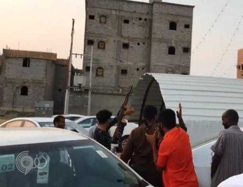 شرطة جازان توقف شباناً أطلقوا النار في أحد أحياء بيش