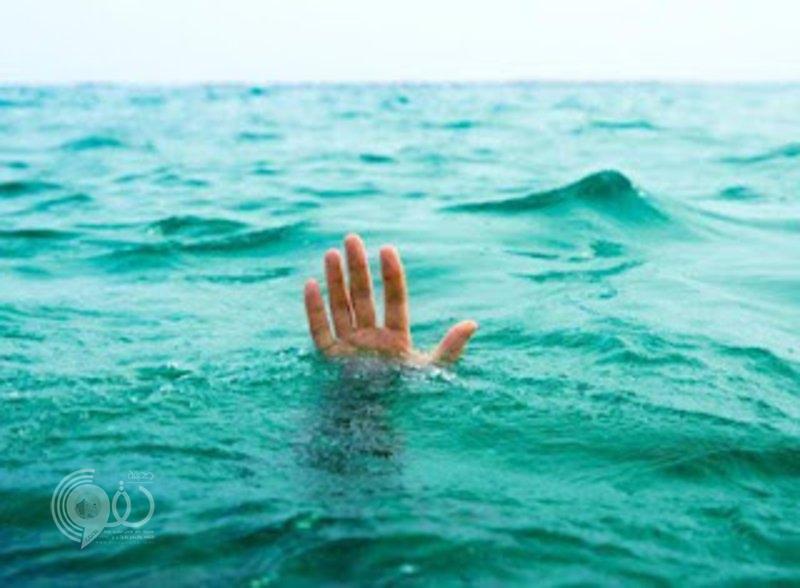 """انتشال جثمان شاب غرق بمسبح استراحة خاصة بـ """"أبو عريش"""""""