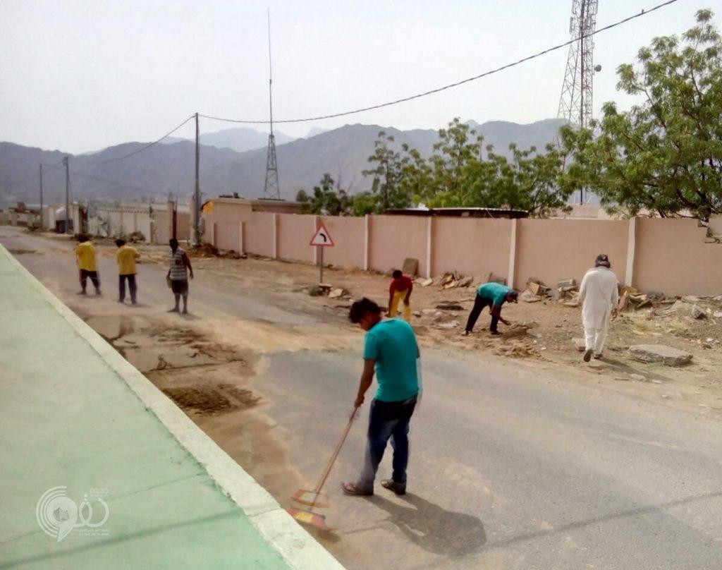 بلدية محافظة الريث تنفذ حملة نظافة عامة للمراكز والقرى .. صور