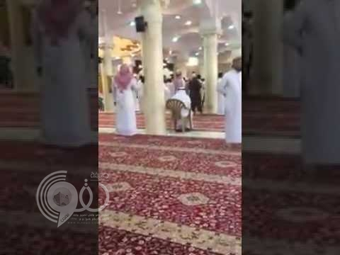 إمام جامع الأمير سلطان بالرياض يكشف تفاصيل الاعتداء عليه أثناء خطبة «الجمعة» – فيديو