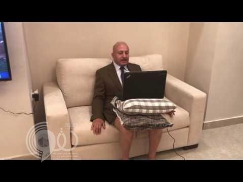بالفيديو:أول تعليق من المحلل السياسي الذي ظهر على قناة الجزيرة بالملابس الداخلية
