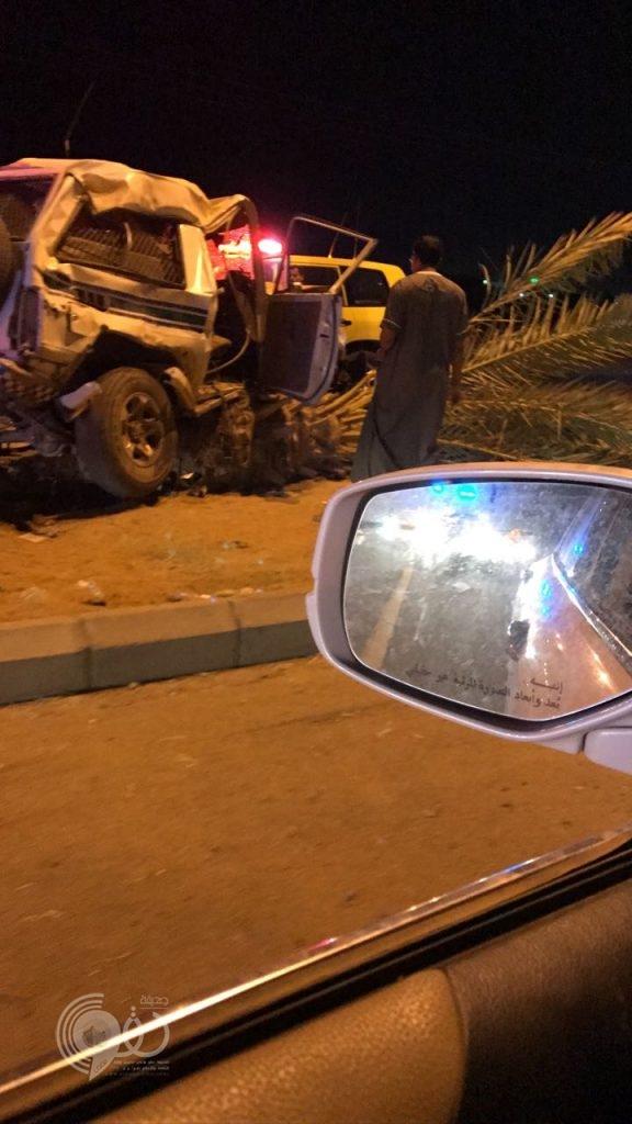 عاجل .. حادث مروع ل دورية تابعة لأمن الطرق على طريق ابوعريش- احد المسارحة ووفاة اثنين -صور