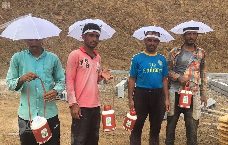 تعاوني الرّيث ينظم حملة لتكريم عمال النظافة بالمحافظة .. صور