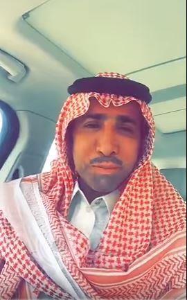 بالفيديو : شاهد صدمة مواطن تصدع منزله الجديد بعد فترة قليلة من شرائه