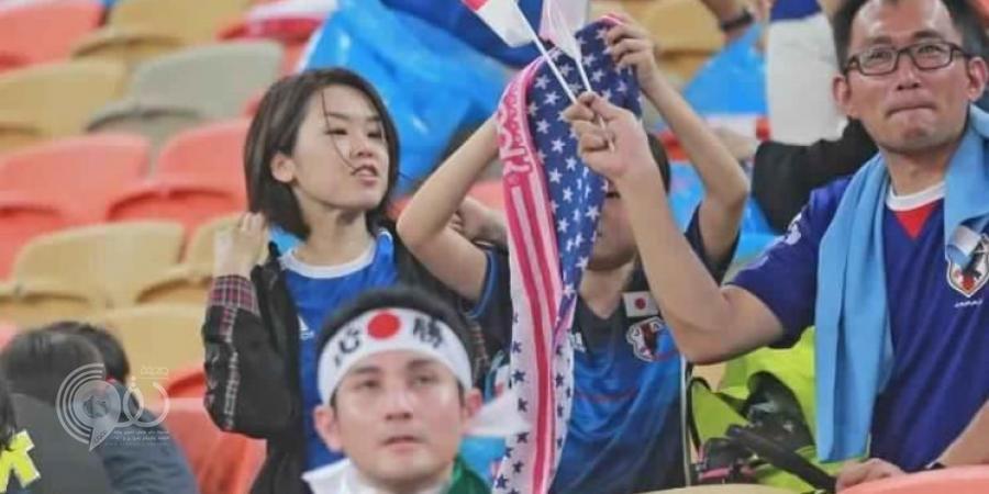 تغريدة مشجع ياباني أثارت اهتمام السعوديين..ماذا قال عندما شاهد الجماهير تصلي في الملعب