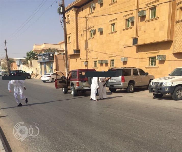 بالفيديو والصور: مضاربة جماعية و تبادل إطلاق نار أمام محكمة بحفر الباطن !!