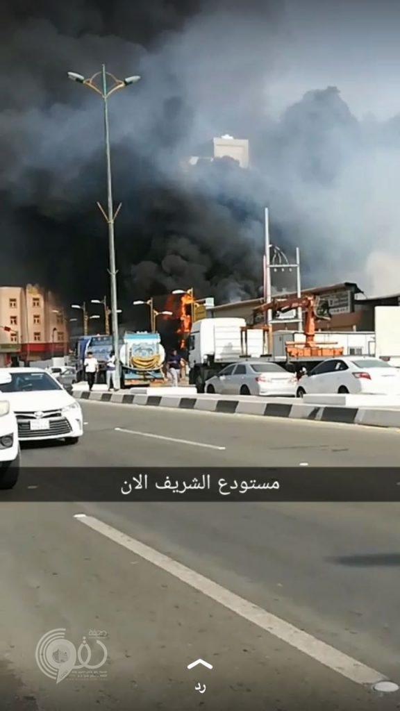 عاجل .. حريق بمستودع الشريف بمحافظة بيش – صور وفيديو