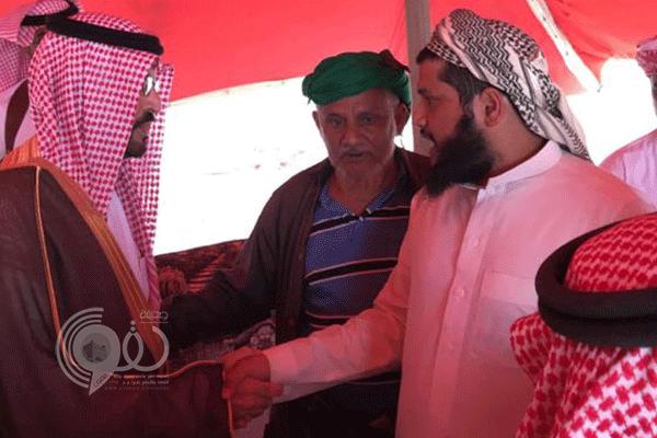 """إمارة جازان تنقل تعازي القيادة لذوي الشهيد """"الغزواني"""""""