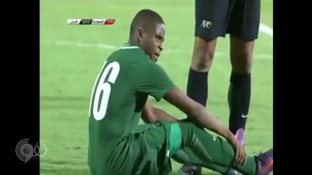 لاعب المنتخب السعودي للناشئين خالد حقوي يٌجري عملية جراحية