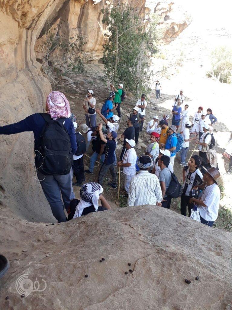 بلدية الريث ترعى فعاليات هايكنج الريث مع الأهالي في رحلتها لجبال الريث.. فيديو وصور