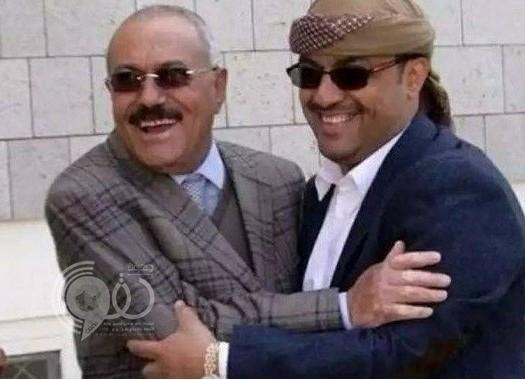 """""""ياسر العواضي"""" مرافق """"صالح"""" ينفي مقتله.. وأول تعليق له على الأحداث الراهنة!"""