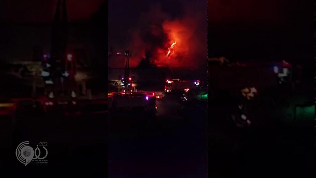 بالفيديو.. حريق هائل بجازان يستنفر فرق الدفاع المدني من المحافظات المجاورة