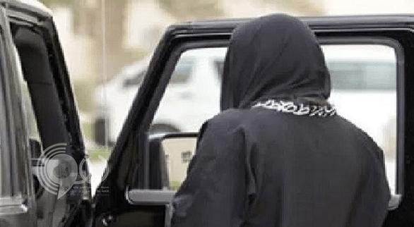 """ضبط """" شاب وفتاة"""" في حالة غير طبيعية داخل سيارة في جدة"""