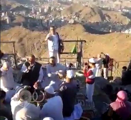 بالفيديو.. أشخاص يمارسون طقوساً غريبة أعلى جبل غار حراء بمكة المكرمة