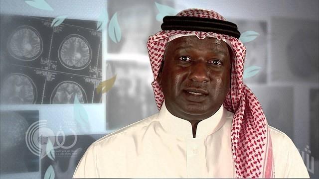 """""""ماجد عبد الله"""" ينشر تغريدة لأحد أهدافه على الهلال ثم يسارع بحذفها ويثير الجدل على """"تويتر"""".. فيديو"""