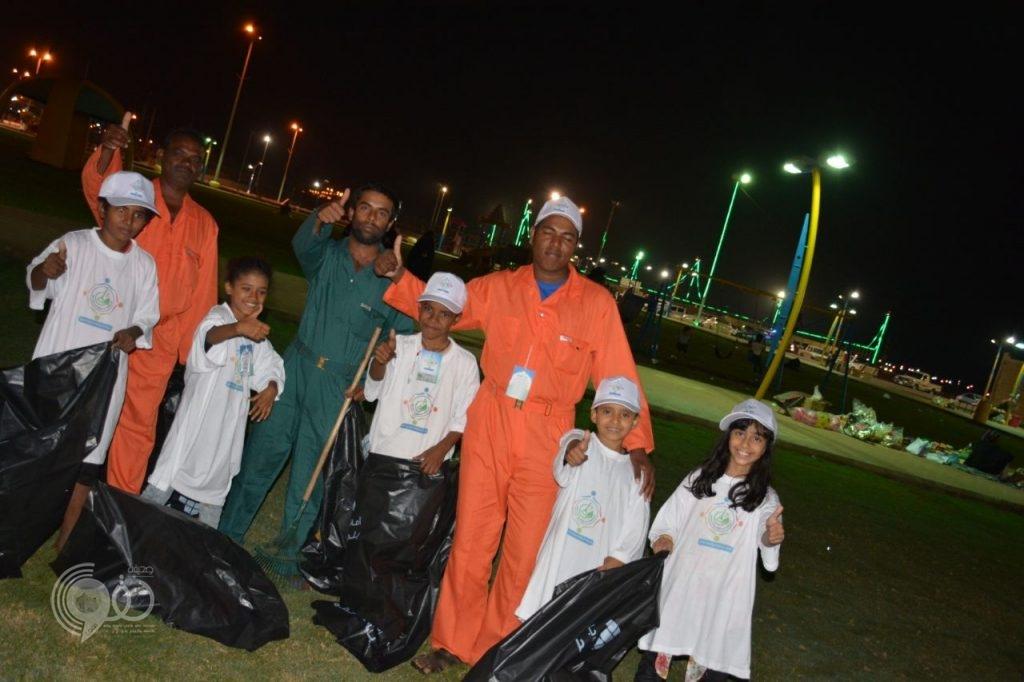 بالصور .. البلدية تُطلق حملتها الشاملة للنظافة على مستوى مركز الحقو