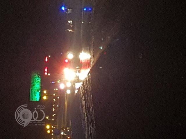 تعاون مشترك بين شرطة الحقو والدفاع المدني بمحافظة بيش لإزالة خطر تسببت به إحدى المركبات