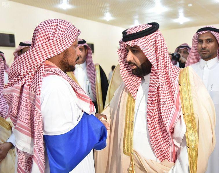 أمير منطقة جازان بالنيابة يعزي المواطن سامي النعمي في وفاة أسرته.. صور