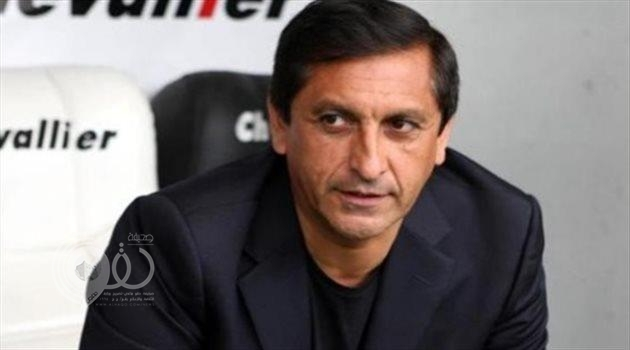 """الهلال يعلن إقالة مدربه """"دياز"""".. وتكليف مدرب الفريق الأولمبي بالإشراف على الفريق"""