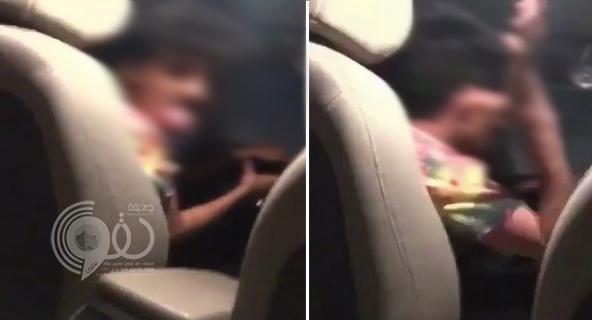 فيديو لسائق يتحرش بفتاة من ذوي الاحتياجات الخاصة يشعل غضب النشطاء ومطالبات بالقبض عليه