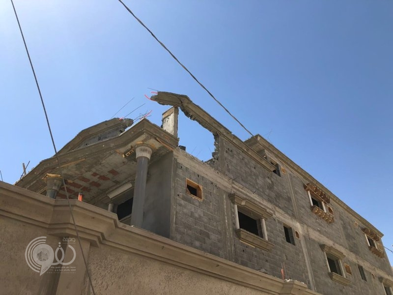إصابة مقيمة وتضرر عدة منازل إثر سقوط مقذوفات حوثية على نجران.. صور