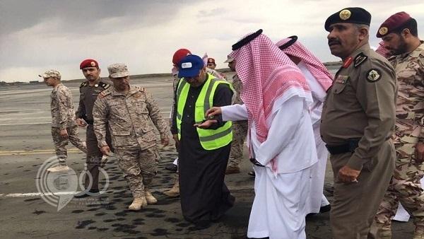 بالفيديو والصور..  الدفاعات الجوية السعودية تُسقط طائرة إيرانية حوثية في سماء مطار #أبها