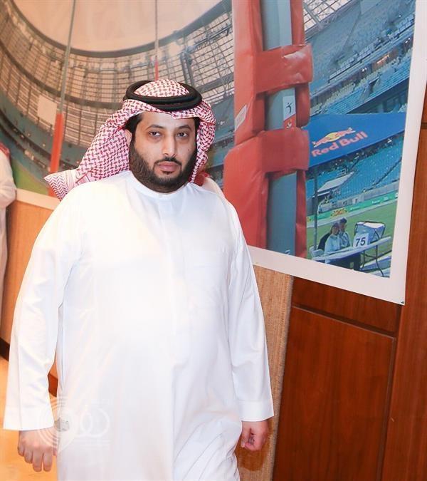 """فيديو.. """"السلمي"""" يكشف عن رأي """" آل الشيخ"""" في تصرف """"عمر السومة"""" بعد استبداله في مباراة الهلال!"""