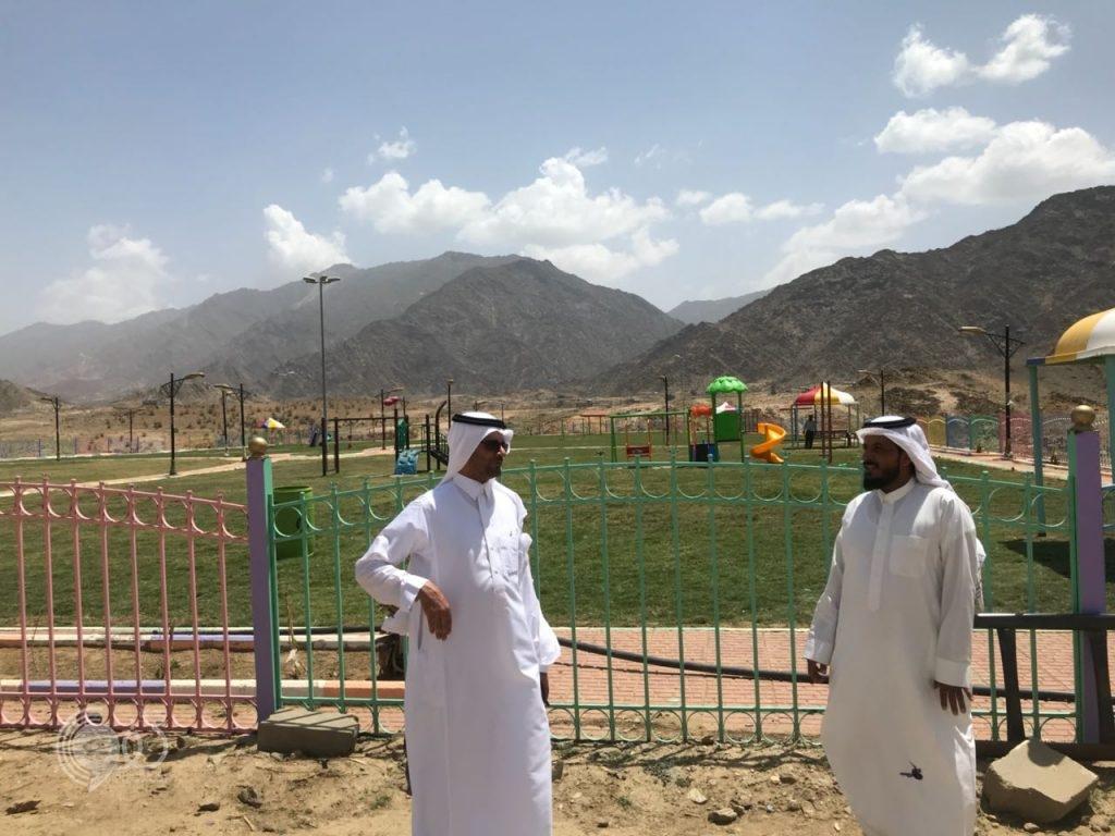 شاهد بالصور رئيس بلدية الريث يتابع المشاريع البلدية