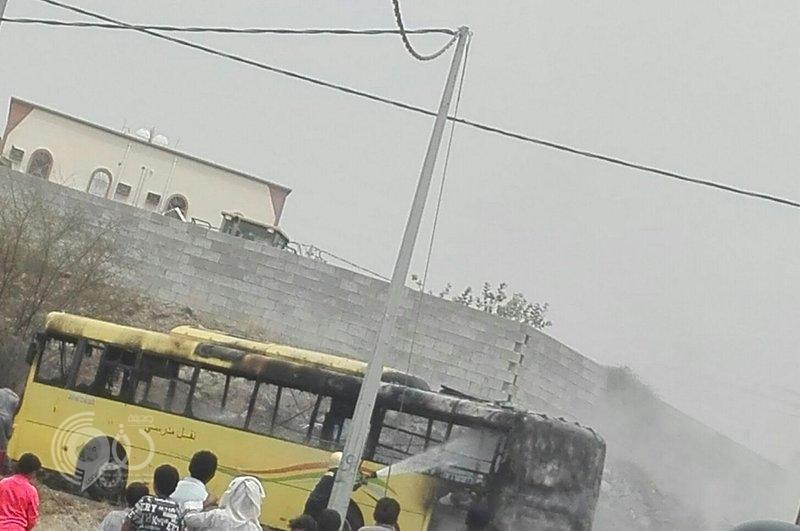 """""""تعليم صبيا"""" يفتح تحقيقًا في احتراق حافلة.. وهكذا نجا الطلاب من النيران"""