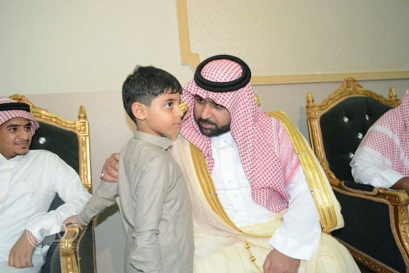"""نائب أمير جازان يعزي أسرة الشهيد """"الحمدي"""" بمركز القفل بصامطة"""
