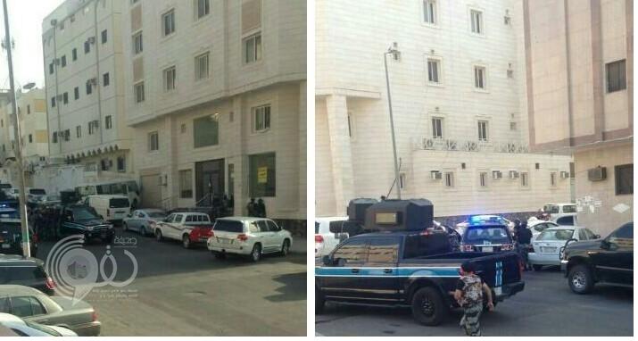 الجهات الأمنية تحاصر مجموعة من المطلوبين في حي سكني بمكة .. و شهود عيان يكشفون تفاصيل العملية!