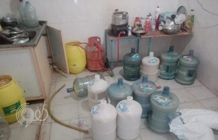 شرطة جازان تضبط مصنعين سريين للخمور والشمة