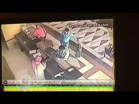 """شاهد .. لحظة مغادرة قتلة """"إبراهيم الغصن"""" فندق في بريدة"""