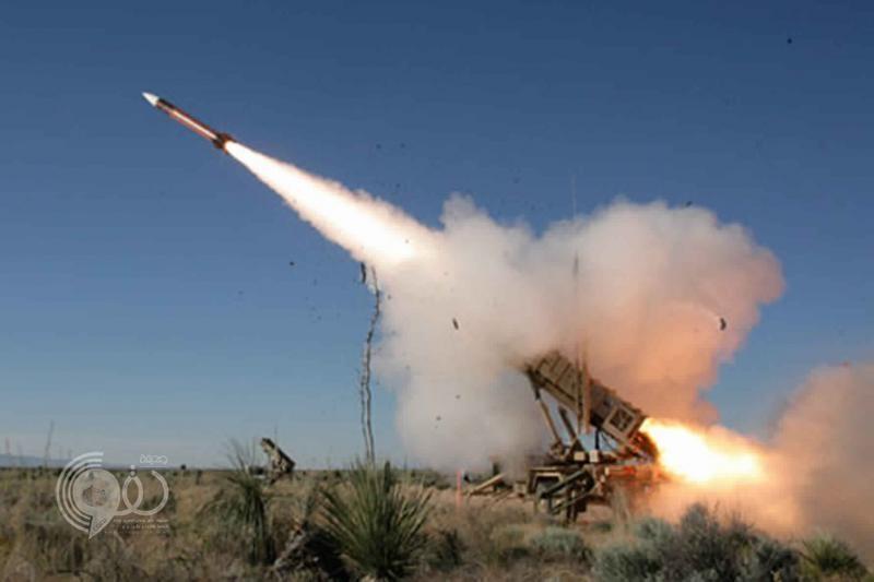 الدفاع الجوي يعترض صاروخين بالستيين في سماء الرياض