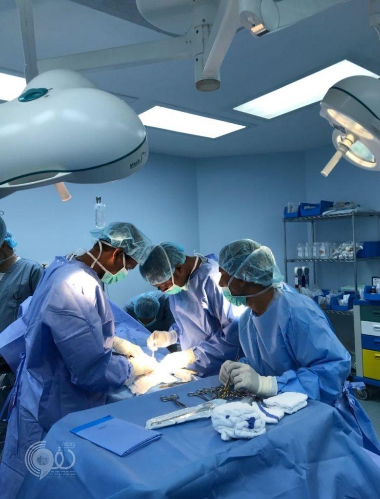 إجراء أول عملية جراحية بمستشفى الريث العام.. صوره