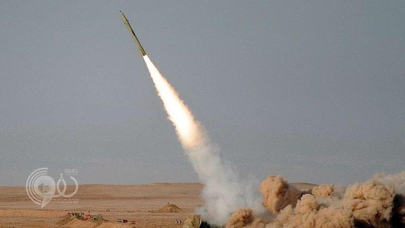 قوات الدفاع الجوي تعترض وتدمّر صاروخاً باليستياً أُطلق تجاه ينبع