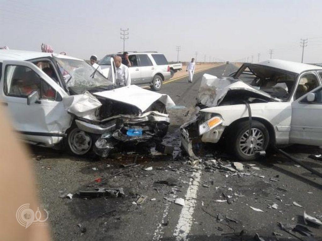 حادث مروري لمواطنة أثناء قيادتها السيارة بجدة.. ووفاة طفل 13 عاماً