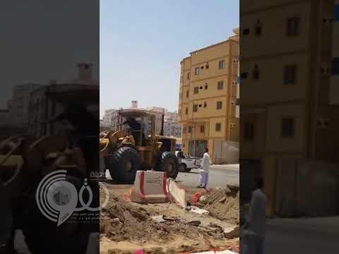 """بالفيديو .. """"دوريات مكة"""" تطلق النار لمنع سائق شيول من إتلاف أعمدة الكهرباء"""