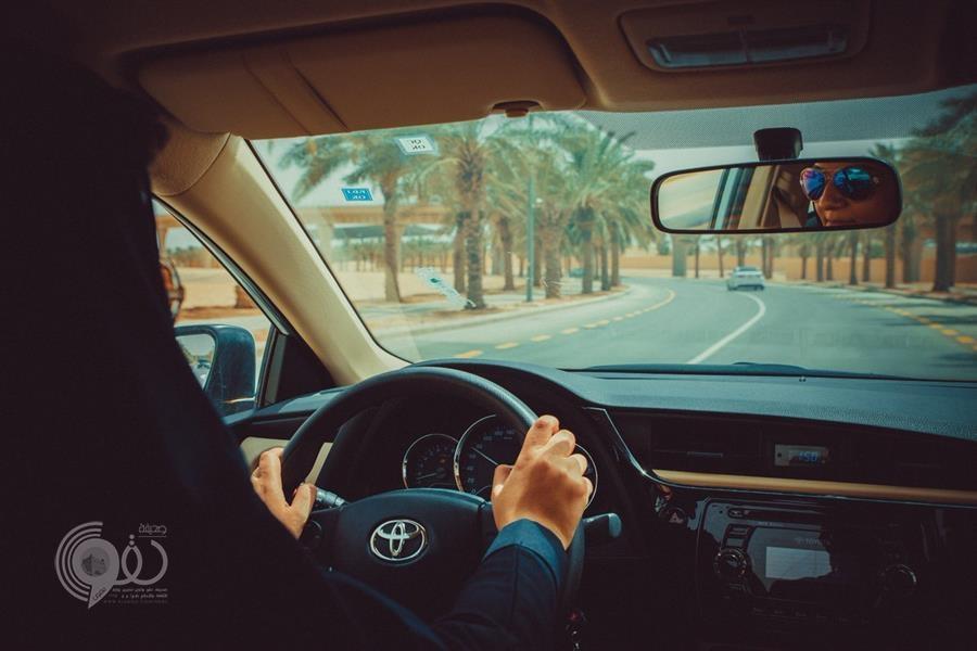 السعوديات يتوجهن إلى مقار عملهن وهن يقدن السيارات غداً
