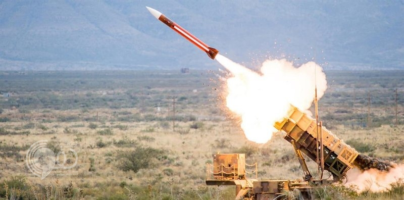 قوات الدفاع الجوي تعترض صاروخاً باليستياً أطلقته ميليشيا الحوثي باتجاه خميس مشيط