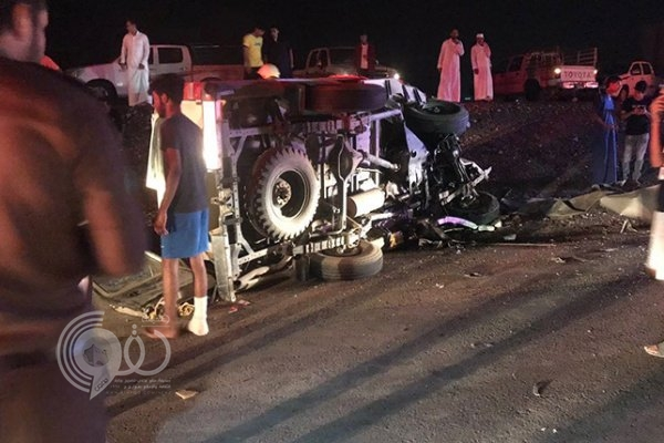 """مصرع وإصابة 7 أشخاص في حادث """"مروع"""" بجازان"""