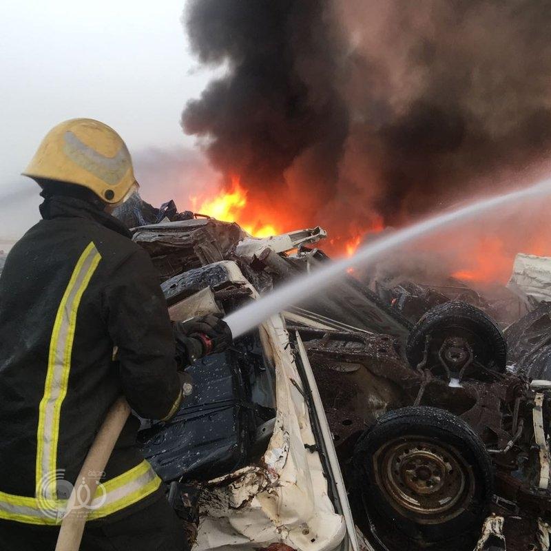 """""""مدني جازان"""" يكشف تفاصيل حريق سيارات صبيا التالفة.. صور"""